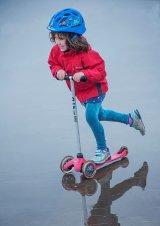 HC Roller blading - Helen Holmes