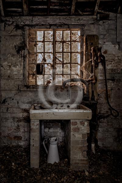 19 THE OLD WASHROOM by Jo Glenister