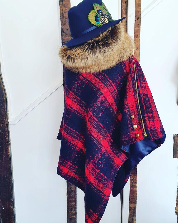 Luxury Tarten wool cape