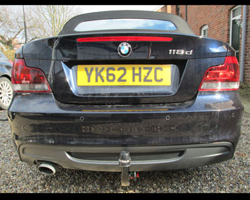 BMW 1 convertible with detachable towbar in place