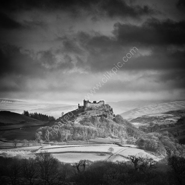 121 Careg Cennen Castle B&W