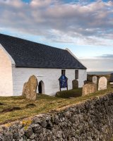144 Eglwys y Grog Mwnt
