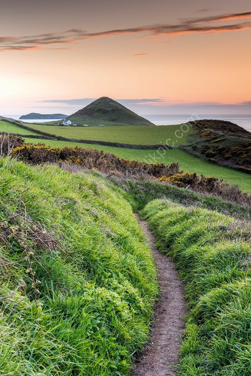79 The Path To Eglwys Y Grog Mwnt