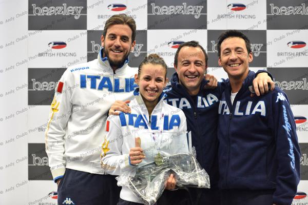 IRENE VECCHI AND ITALIAN COACHES 3003