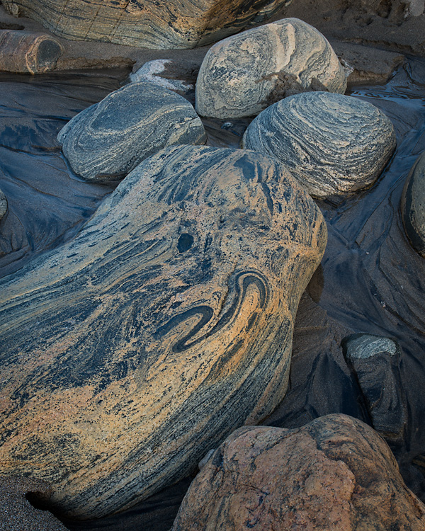Gneiss Boulders, Clabbach, Isle of Coll
