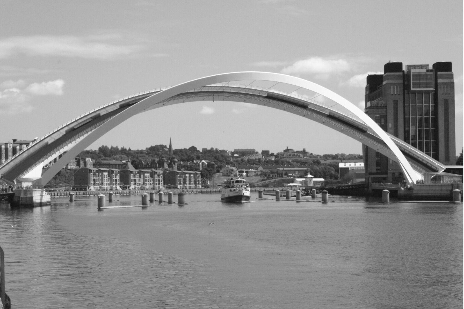 Quayside   Millennium Bridge Opening