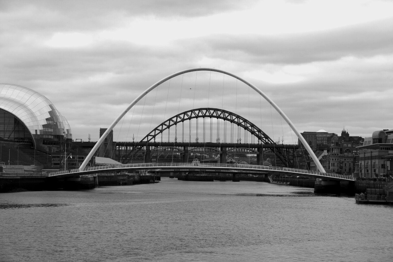 Quayside 5 Bridges