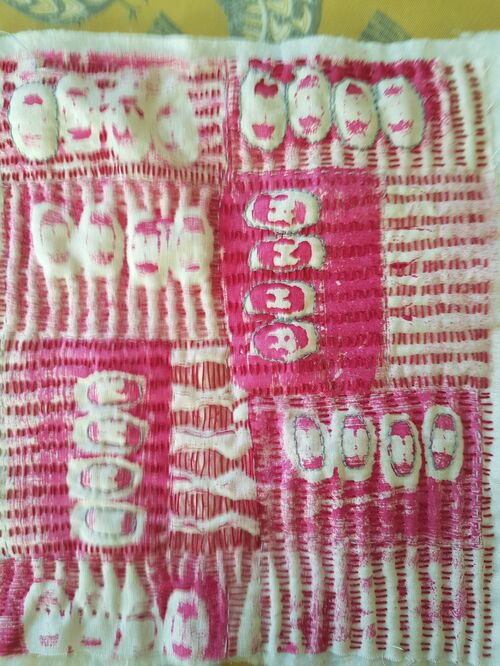 i love this gorgeous bit of Kantha work by Lesley, stitched over an impression of buttons, it's made it so absract....brill!
