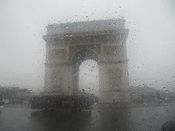 Ellie Enking - Arc de Triomphe in the Rain