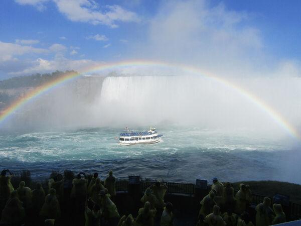 Ellie Enking - Somewhere Under the Rainbow at Niagara