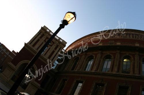 Lamp & The Royal Albert Hall
