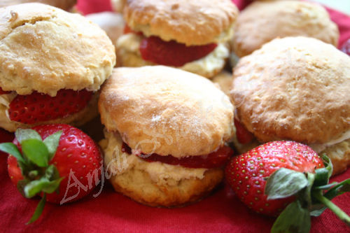 Scones With Fresh Strawberries