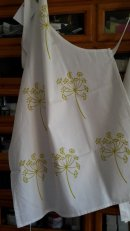 Cow parsley apron in limey green/yellow