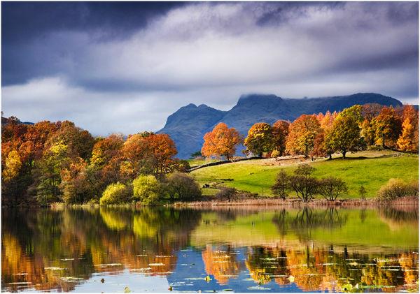 Autumn on Loughrigg Tarn