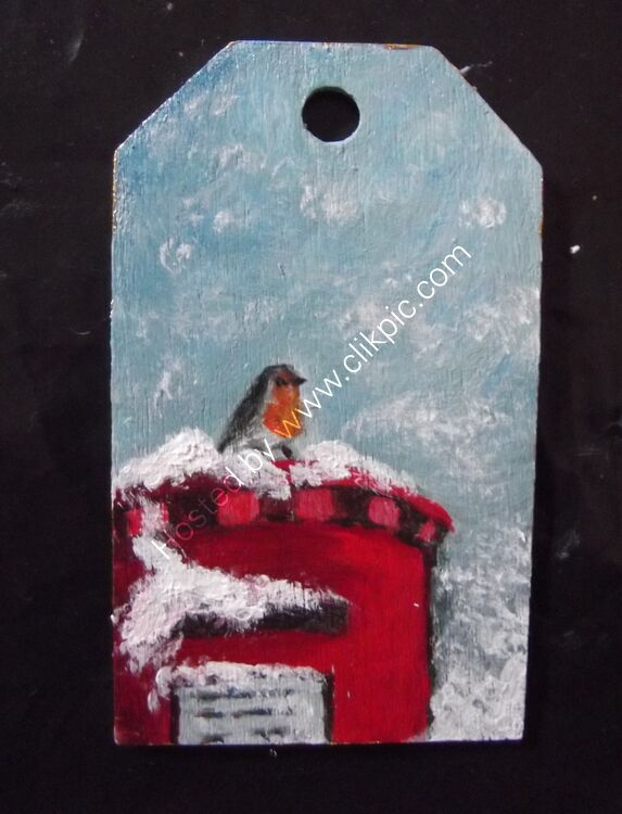 ROBIN ON A POSTBOX - Gift Tag 4x7cm £5.00