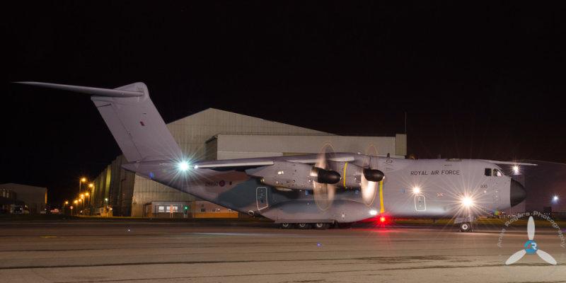 Atlas A400 Night Running at RAF Brize Norton