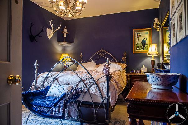 Burford House: Bedroom 2
