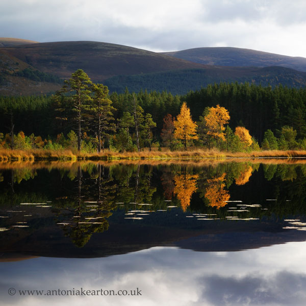 Autumn Reflections, Uath Lochans