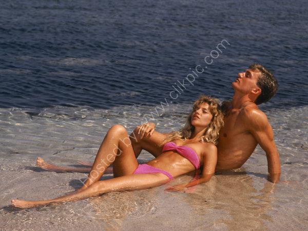 YOUN COUPLE ON BEACH