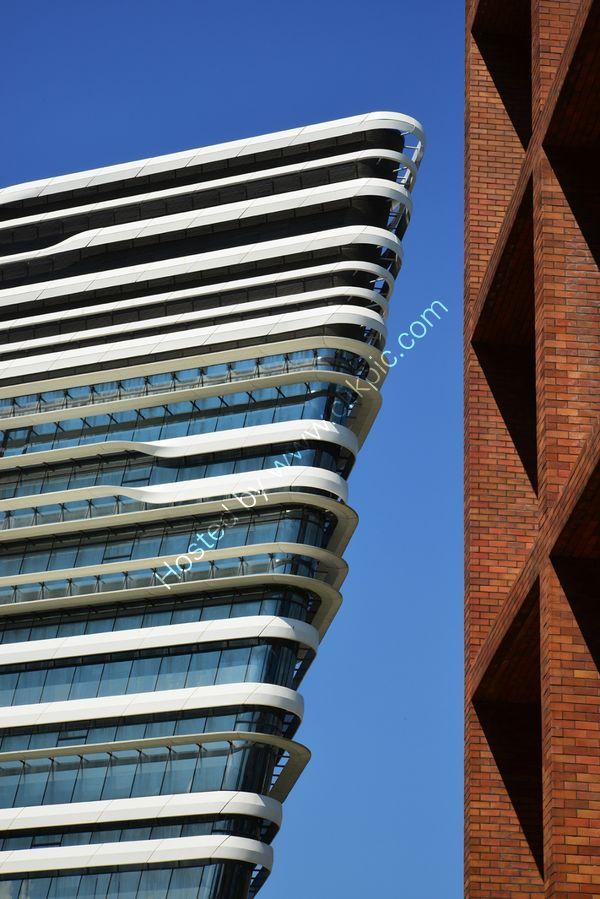 Hong Kong: Jockey Club Innovation Tower