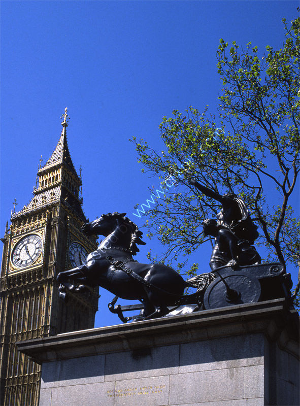 London: Houses of Parliament and Boadicea