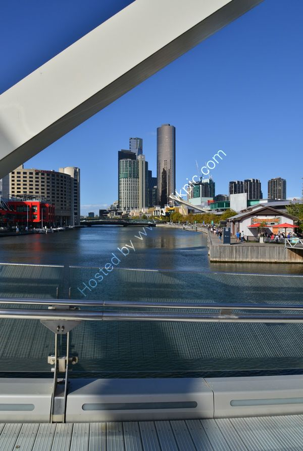 Australia: Melbourne: Yarra River Bridge