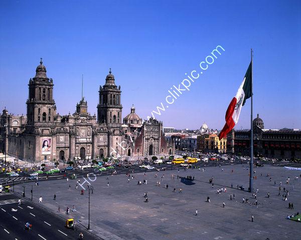 Mexico: Mexico City: Zocalo and Cathedral