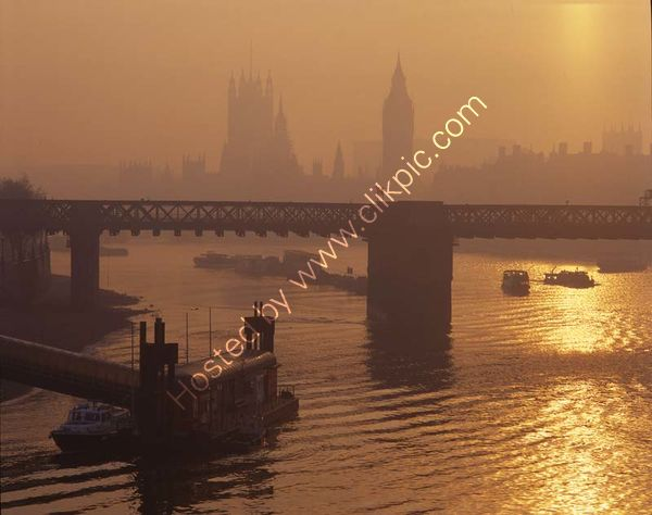 London: Hungerford Bridge