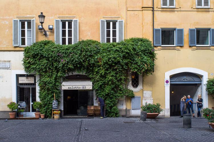 Piazza Pastini