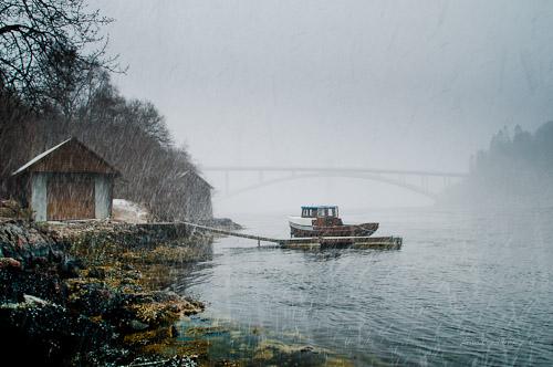 Naust og båt - Skodjestraumen