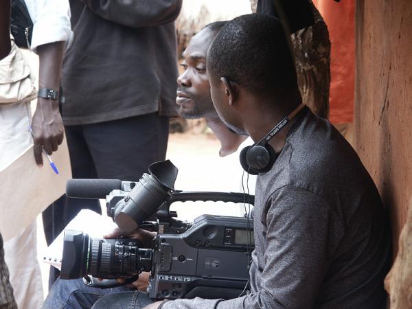 Director Andy Nwakolor on set