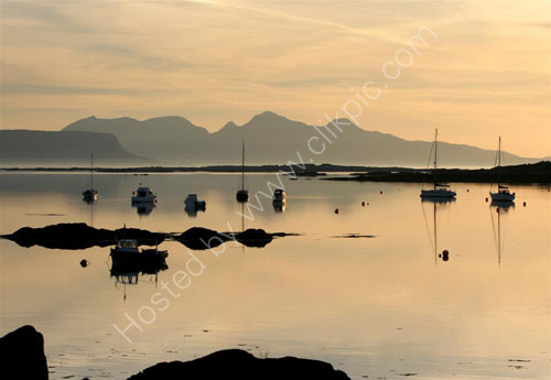 Boats against Eigg and Rum