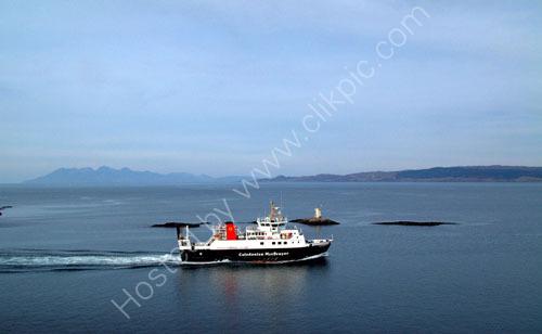 Ferry leaves Mallaig