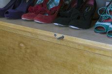 Wardrobe Detail, Closing Plunger, Centre Doors