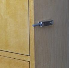 Wardrobe Detail, Closing Plunger extended, Door