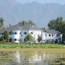 Hotel Dar-Es-Salam, Nageen Lake,Srinagar