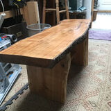 Table in Cherry with natural edge