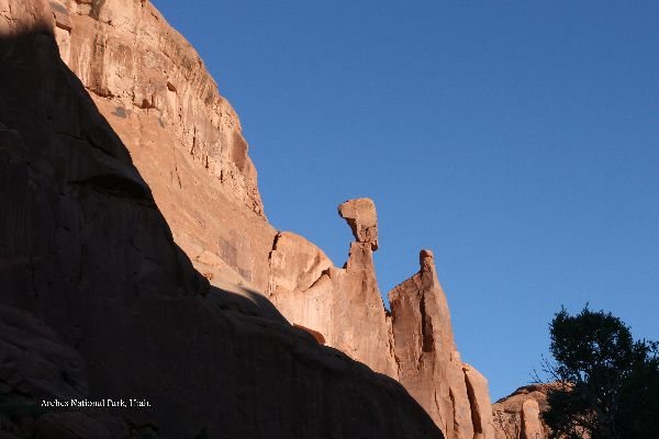 076. Arches
