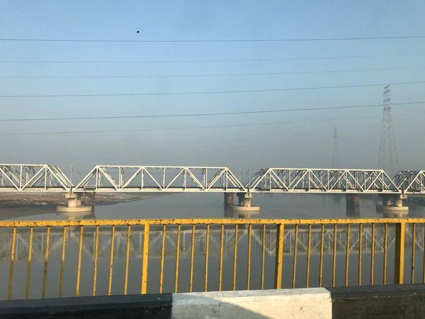 213. Ganges River Bridge