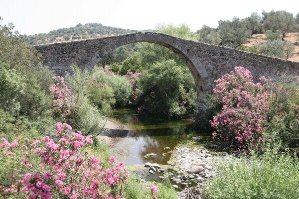 Kremasti Bridge, Agia Paraskevi ~ May 2018