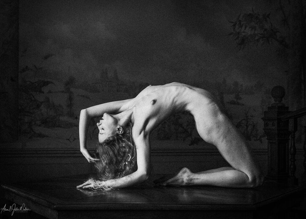 Posing Nude mono