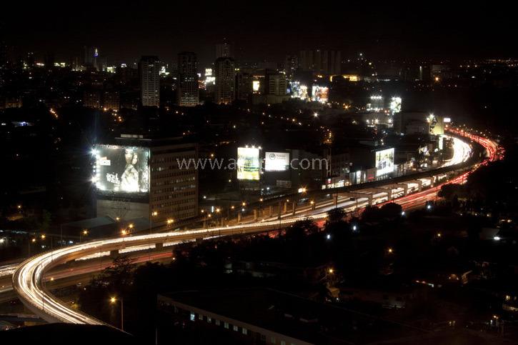 <br>Manila at night