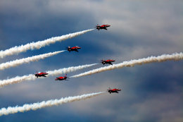 red arrows pyramid