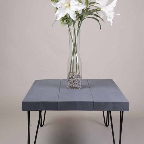 Coffee table with hairpin legs in Moonlight grey wood stain