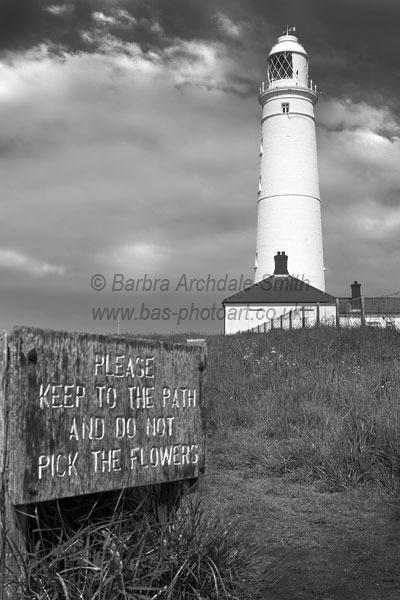 Nash Point Lighthouse (B&W)