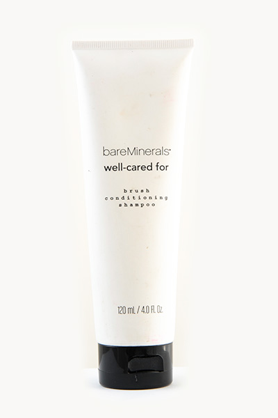 Bare Minerals Well Cared For Brush Shampoo €10