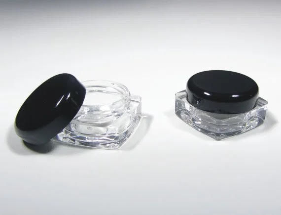 Travel Sample Jars 5g/5ml Square with Black lid 3 Pack €1