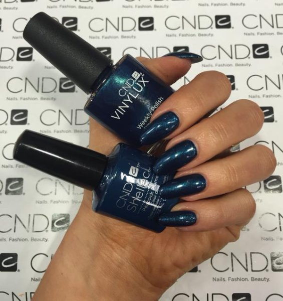 CND Vinylux Contradictions Fall Collection 2015 Peacock Plume #199 €12