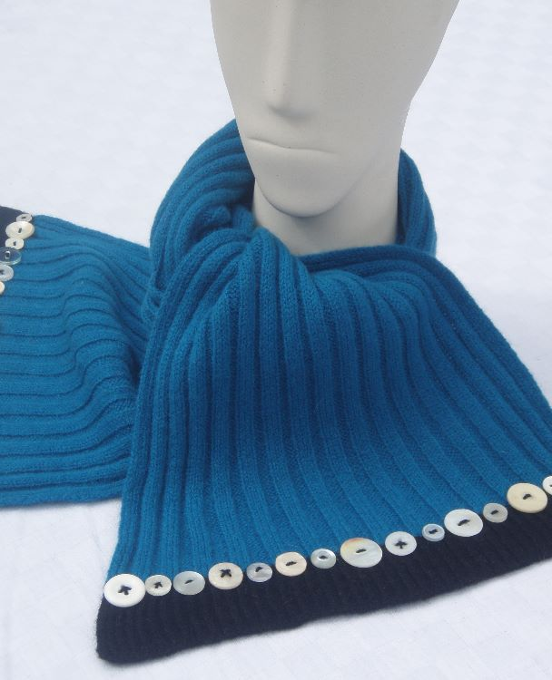 Button Scarf