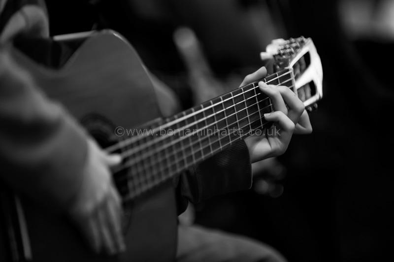 Classical-guitar-in-concert-©www.benjaminharte.co.uk-53